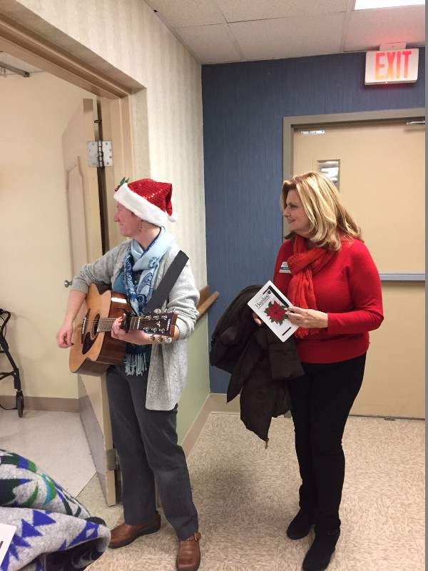 caroling-for-patients-3-1