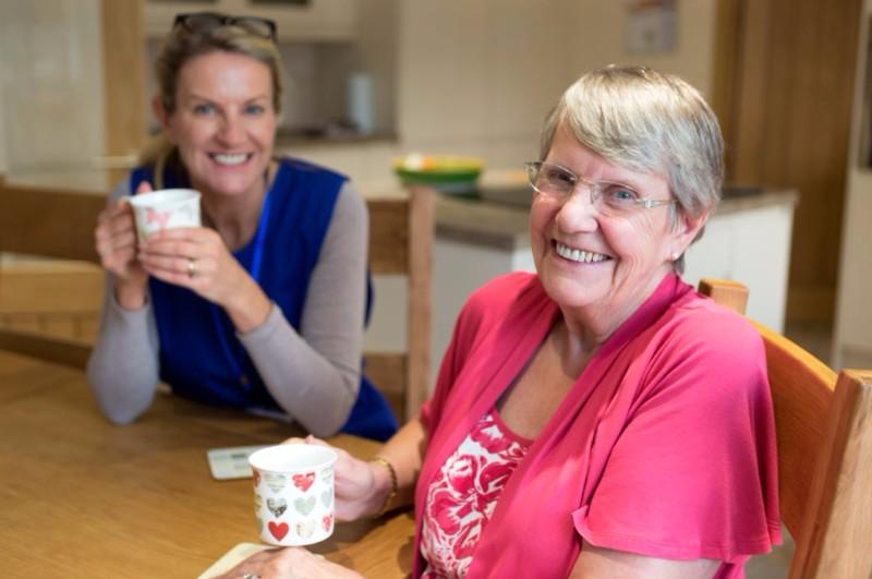 female-volunteer-caregivers-504821100